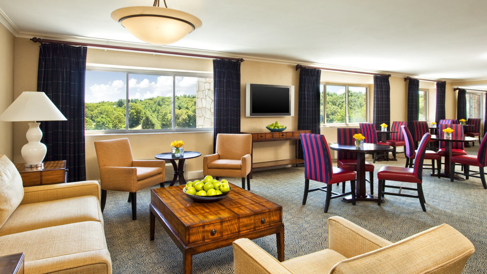 Club Level Guest Rooms & Suites